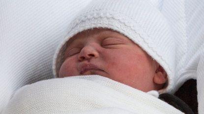 """Prins William: """"Baby slaapt redelijk goed"""""""