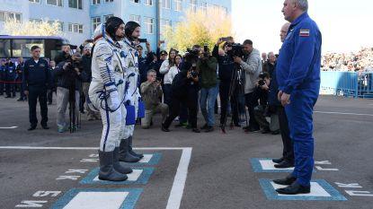 Astronauten veilig aan de grond en bevrijd uit Sojoez-capsule na plotse noodlanding