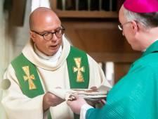 Van der Laer geïnstalleerd als pastoor H. Mariaparochie
