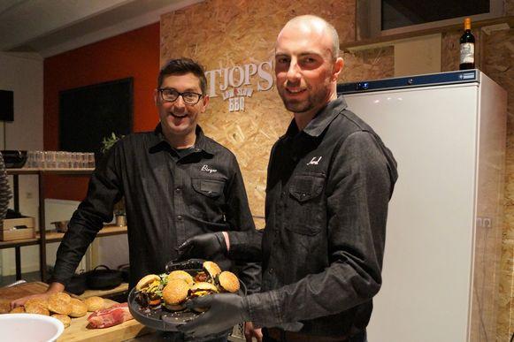 Birger Allary en Karel Knockaert openden begin maart 2018 de deuren van hun Weber Grill Academy in Ruiselede. Birger staat nu alleen in voor de opleidingen in Ruiselede, terwijl Karel met een foodtruck rondtrekt.