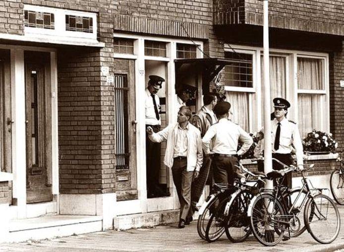 Onderzoek bij de woning aan de Statensingel, waar een Chinees gezin werd vermoord.