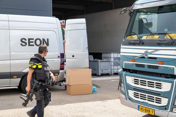 In Ede vielen zwaarbewapende agenten in augustus dit drugslab in een bedrijfspand  binnen. De productie van XTC en amfetamine heeft zich de afgelopen jaren als een olievlek vanuit Brabant en Limburg over met name Oost-Nederland verspreid.