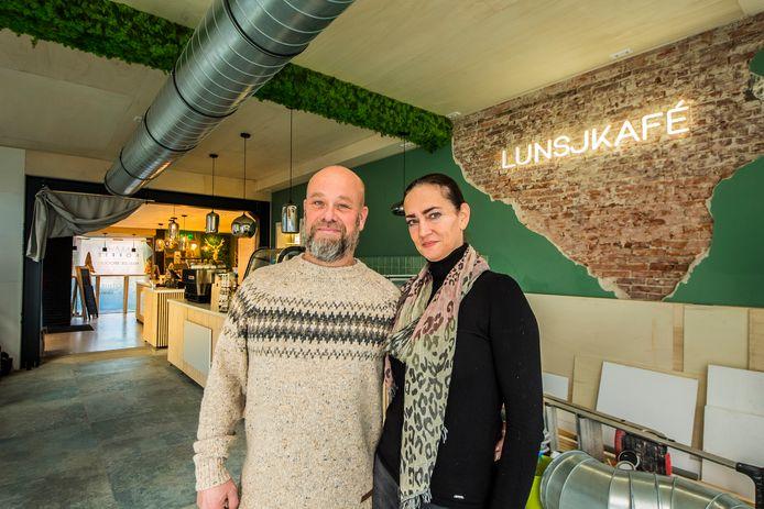 Raoul Ferenschild en Lihilde Verboom hebben hun koffiebar Rølle  Smølle uitgebreid met een lunchcafe: Lunsjkafé.