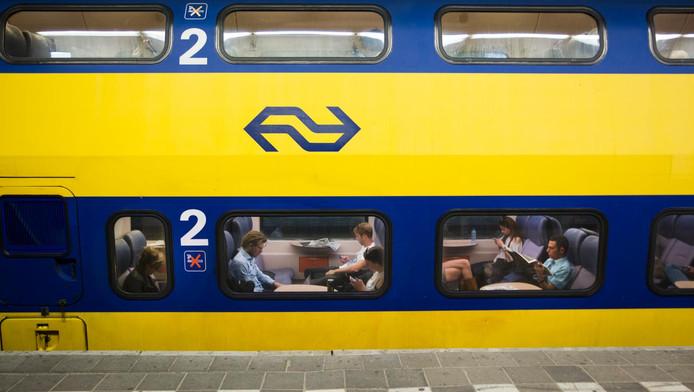 Reizigers op Station Utrecht CS.