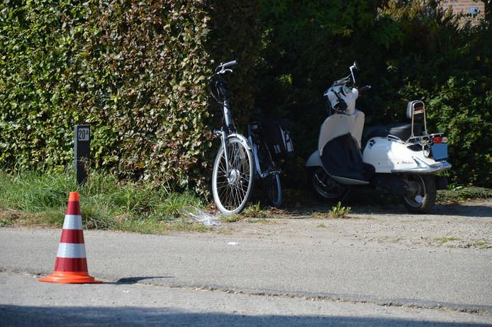 De fiets en de snorfiets.