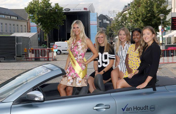 Missen Celine Van Ouytsel,Annouk Coopmans,Ann-Sophie Van Den Dries,Rani Peeters & Paulien Verbeeck.