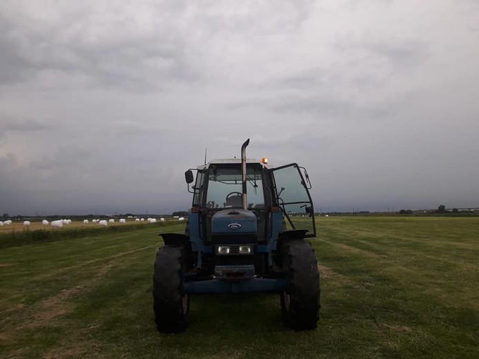 De gestolen tractor is een Ford 8340 SLE.