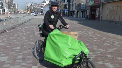 """Ook fietskoeriers draaien overuren: """"Kleine boodschappen zoals medicatie of brood leveren we gratis"""""""