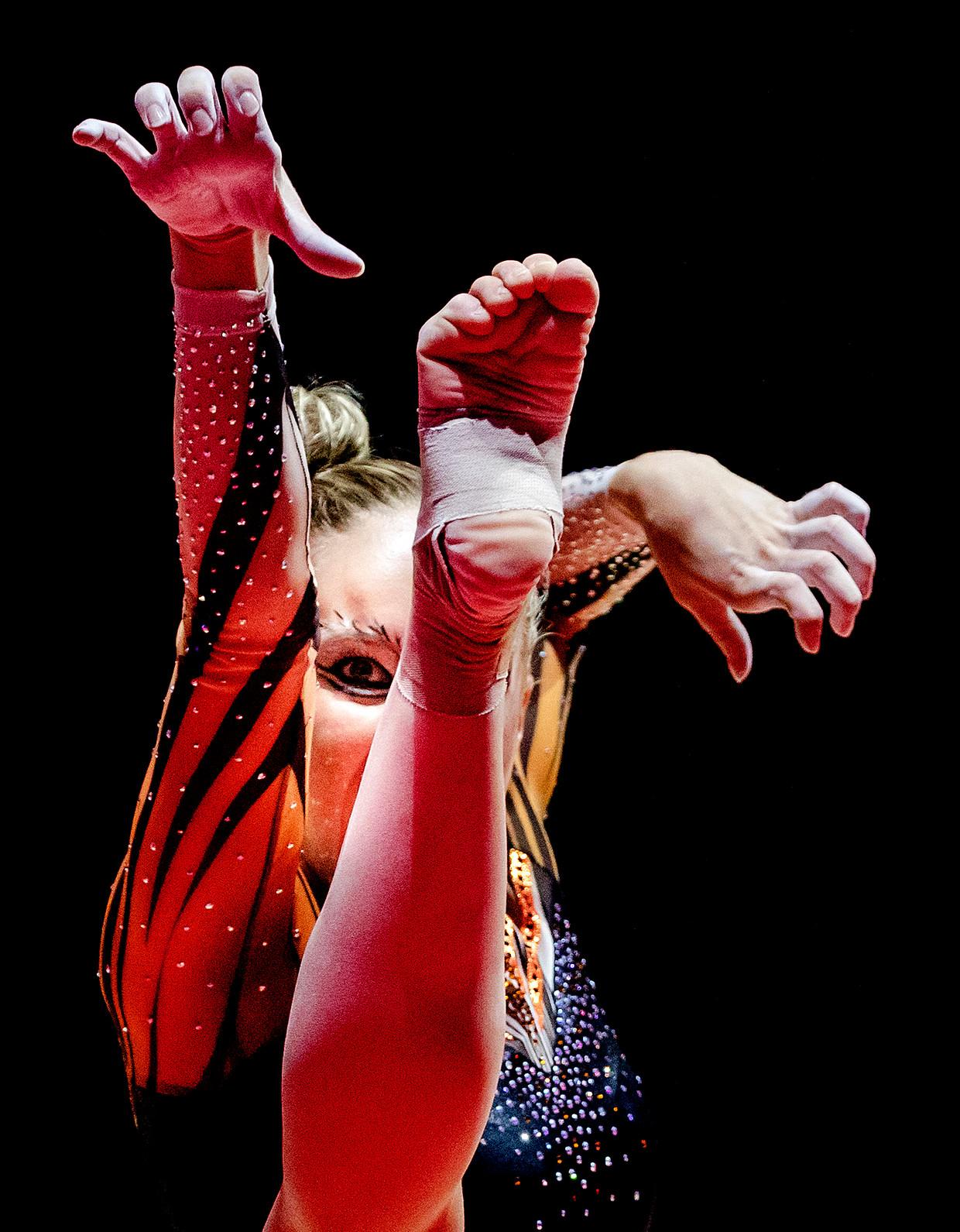 Celine van Gerner in actie op onderdeel vloer tijdens de toestel finale in het SSE Hydro tijdens het EK turnen tijdens Glasgow 2018.