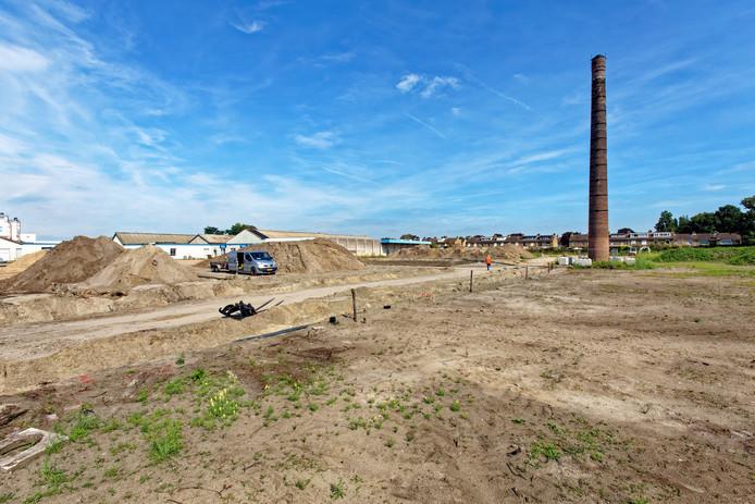 OOSTERHOUT - Het voormalige Twickelterrein aan de Koningsdijk / Wilhelminakanaal Oost in Oosterhout. Hier gaan 140 nieuwbouwwoningen verrijzen.