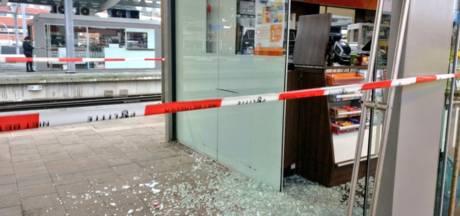 Amsterdammers komen niet ver na inbraak in kiosken station Zwolle