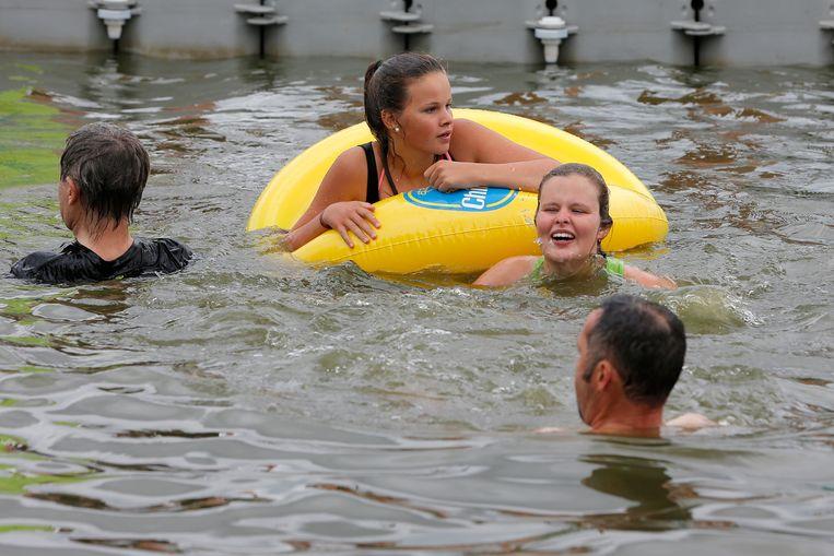 733c7d761cd93c Ondanks hittegolf: zwemmen in openbare vijver en waterlopen mag niet ...