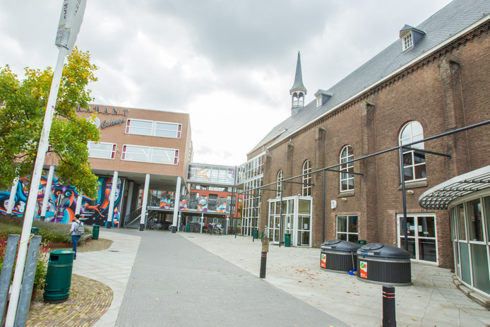 Jan van Brabant Helmond: van vijf naar twee gebouwen aan ...