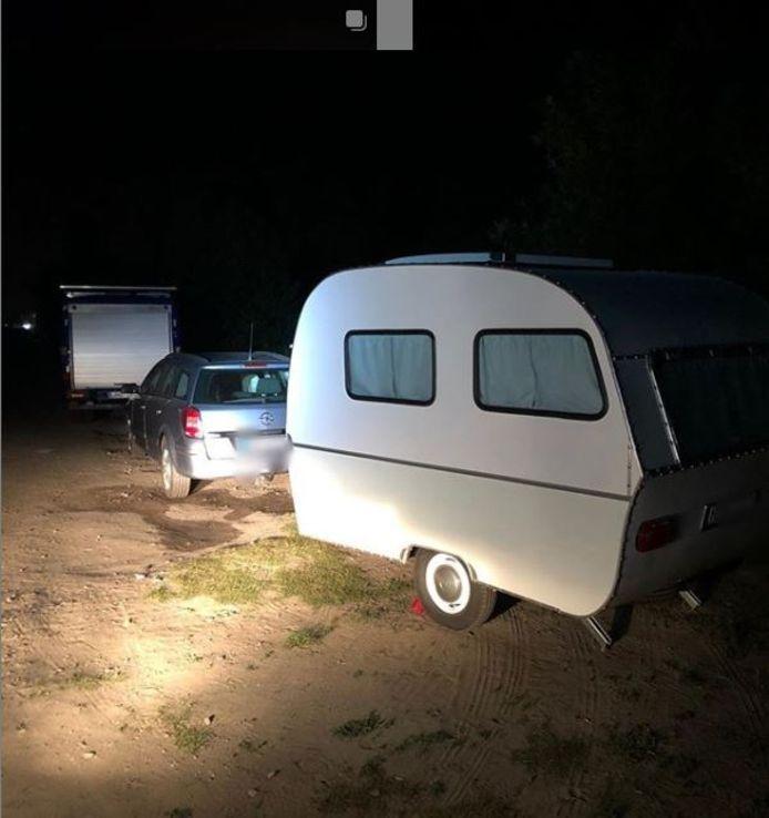 De kampeerders stonden op de verkeerde plek. Ze kwamen er met een waarschuwing vanaf.