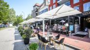 Roeselaarse designparasols bieden schaduw op terrassen in Knokke-Heist