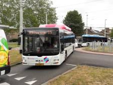Reiziger bus uit door toenemend verkeer