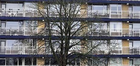 Meer asbest in Emmaflat door ruzie aannemers