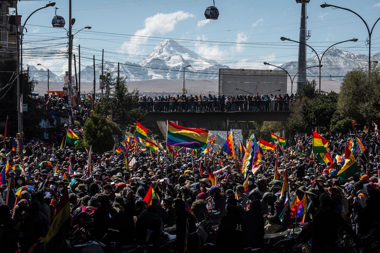 Een van de massale boerenprotesten, in augustus, voor Morales en tegen uitstel van verkiezingen. De mensen trotseerden zelfs de kogels van de politie Beeld Marcelo Perez del Carpio
