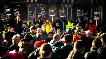 Grimmige sfeer maar geen al te grote incidenten tijdens intocht Sinterklaas in Nederland: verschillende arrestaties