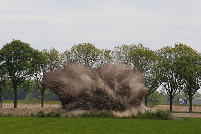 Bommen tot ontploffing gebracht in Dordrecht