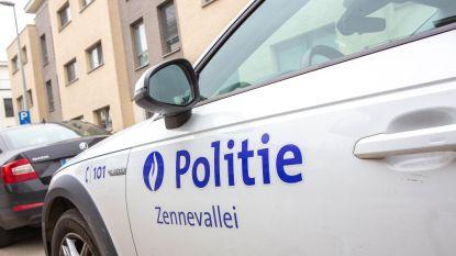 Politie overmeestert man die ambulanciers met mes bedreigt