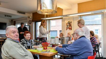 Buurtatelier 't Lab Gods en Huize Wispelaere lanceren buurttafels en buurtfoon