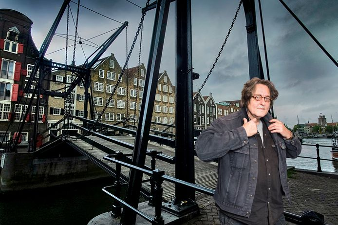 Kees Thies over de Damiatebrug.