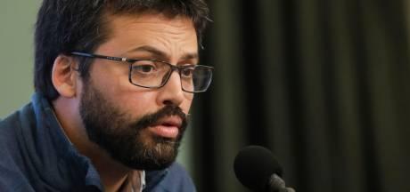 """""""À moins de se faire vacciner avec une paille..."""": la réponse d'Emmanuel André aux complotistes"""