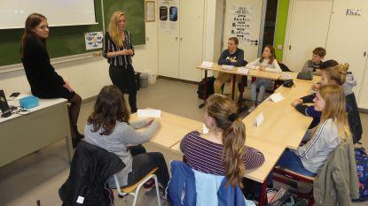 """Primeur: Eerstejaars GO! Erasmusatheneum Deinze leren praten over gevoelens tijdens Boost Camp: """"Supertof, zo leren we elkaar pas echt goed kennen"""""""