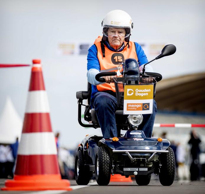 Deelnemers tijdens het NK Scootmobiel op het Circuit van Zandvoort. Foto ter illustratie.