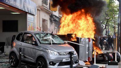 Linkse anarchisten verstoren 1 mei-viering in Parijs: relschoppers gooien met brandbommen en slopen McDonald's