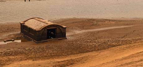 Lage waterstand van stuwmeer onthult opnieuw 'verloren' dorpje in Engeland
