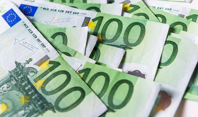 """Dat bedrijven volgend jaar minder belasting hoeven te betalen is nog geen gelopen race. ,,Daar zal zeker opnieuw naar worden gekeken"""", aldus een Kamerlid van een coalitiepartij."""