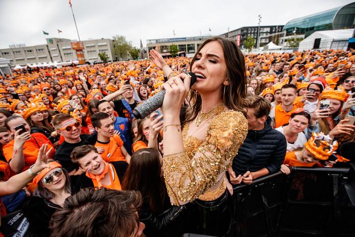 Zangeres Maan is headliner op het festival.