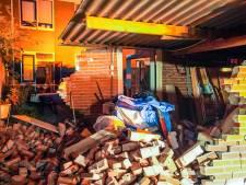 Automobilist rijdt schuur aan gort in Eindhoven