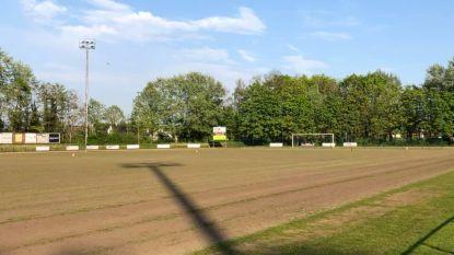 Onbespeelbare voetbalvelden eerder aangepakt door coronacrisis
