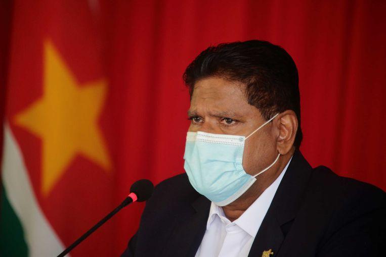 De Surinaamse president Chan Santokhi. Suriname heeft een schuld van meer dan 2,5 miljard euro. Dat komt neer op 4250 euro per Surinaamse burger. Beeld ANP