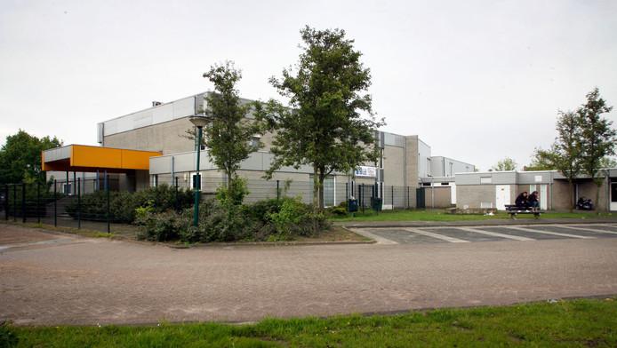 Het Ontmoetingscentrum in Beek en Donk, gezien vanaf de achterzijde.