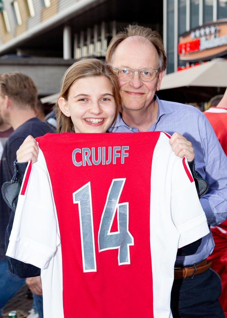 Joanne van Gool met haar vader Pim van Gool Beeld Sanne Zurne