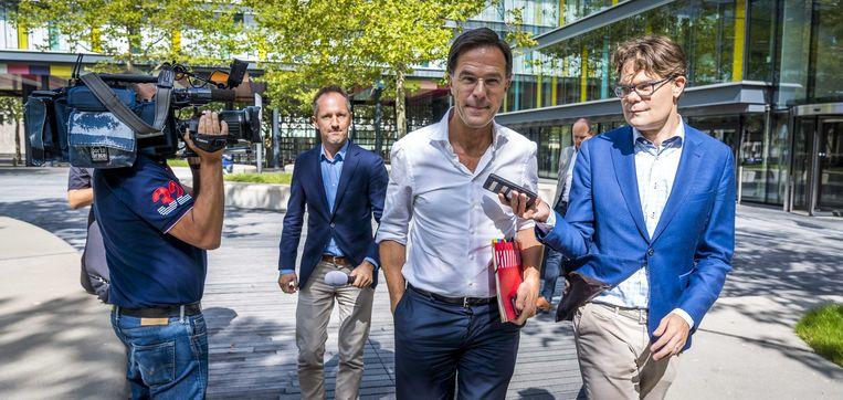 Mark Rutte verlaat het Ministerie van Financiën na de  begrotingsraad.  Beeld ANP