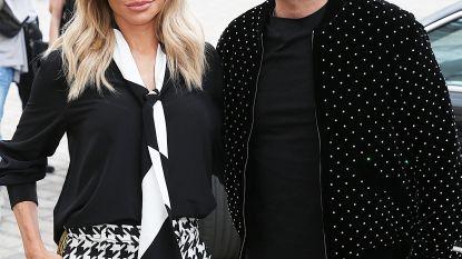 Complete verrassing: Robbie Williams en Ayda Field kondigen aan dat ze er een dochtertje bij hebben