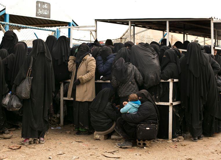 IS-vrouwen in het kamp Al-Hol in Syrië, waar zij worden opgevangen.  Beeld AP