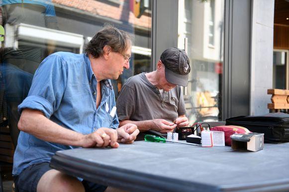 Deskundigen helpen gratis met de reparaties