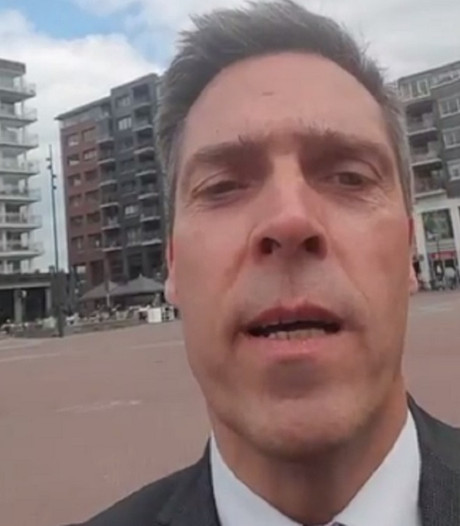 Burgemeester Aart-Jan maakt selfie-filmpje over Koningsdag