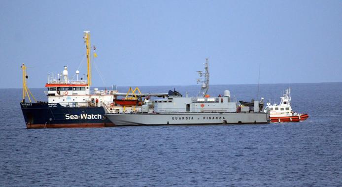 Sea-Watch 3 bij Lampedusa.