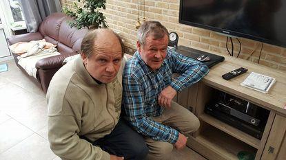 Medewerkers PROS installeren internetradio's bij luisteraars thuis
