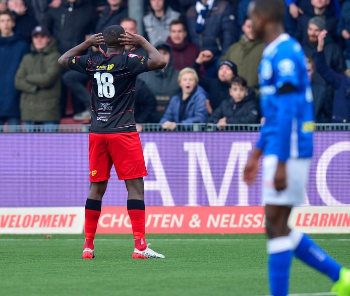 Ahmad Mendes Moreira haalt zijn gram op de aanhang van FC Den Bosch.