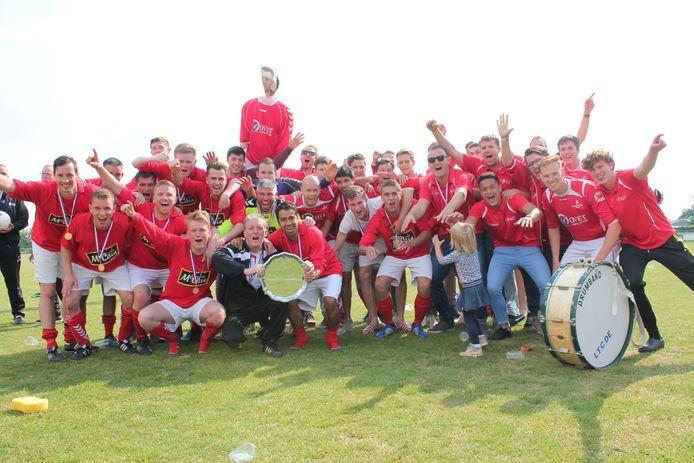 Lewedorpse Boys vierde het jubileumjaar met een kampioenschap.