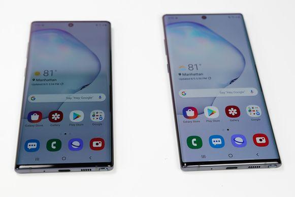 Links de Samsung Galaxy Note 10 en rechts de Samsung Galaxy Note 10+.