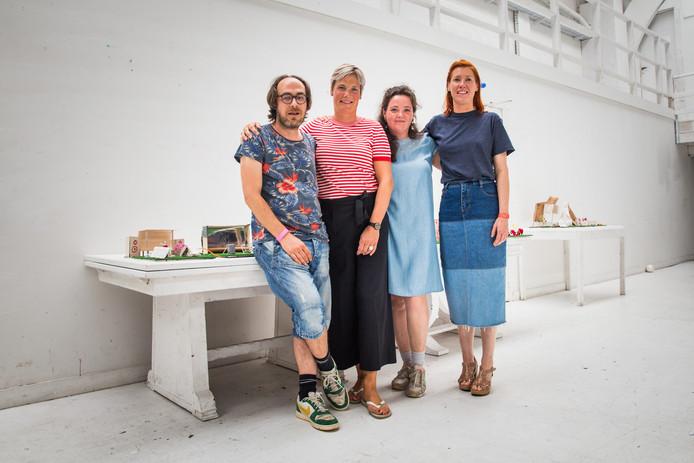 De organisatoren van De Kleine Garnaal en De Roste Kat, Jeroen Verpoest, Eva Decaluwé, Astrid Van Ingelgom en Sarah Verstraete.